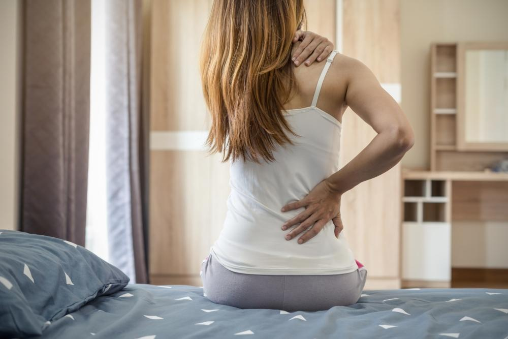 Welche Matratze bei Rückenschmerzen? - Betten-ABC® Magazin