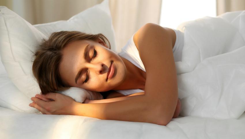 Gesunder Schlaf und gute Erholung durch passende Kissen