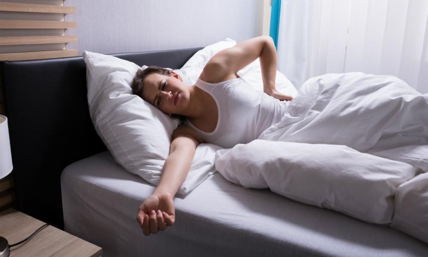 Mit der falschen Matratze für Rückenschläfer sind Rückenschmerzen vorprogrammiert