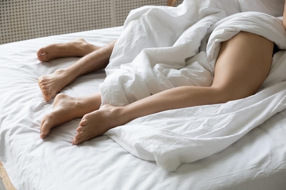 mutter schlafen nackt