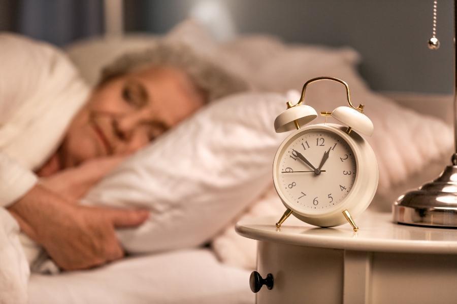 schlafdauer-alter
