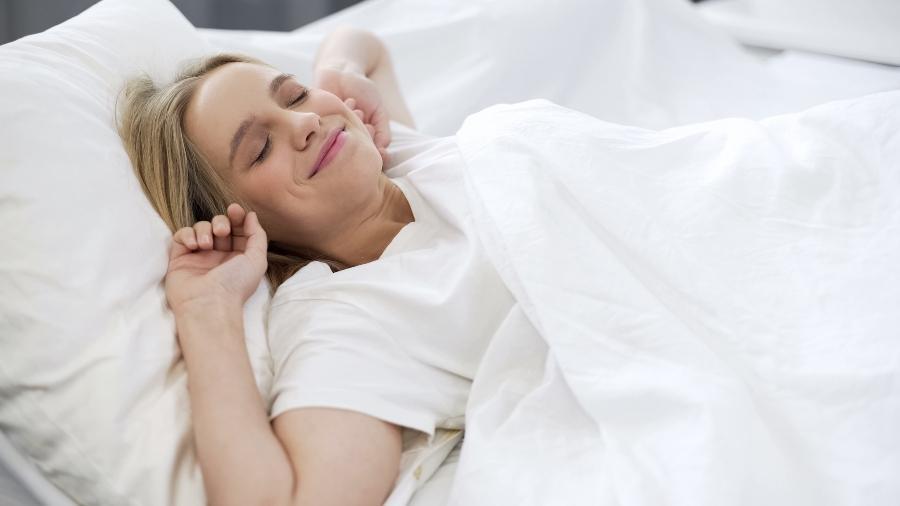erholt-erwachen-spaet-ins-bett
