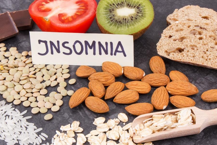 lebensmittel-schlaflosigkeit-tryptophan-hormone-beeinflussen-schlaf