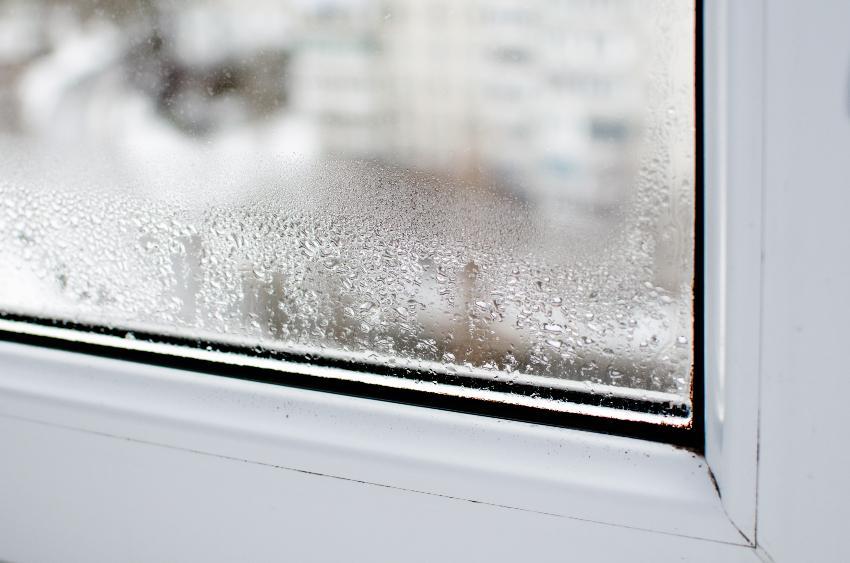 Schimmel auf der Matratze verhindern durch Kontrolle der Luftfeuchtigkeit