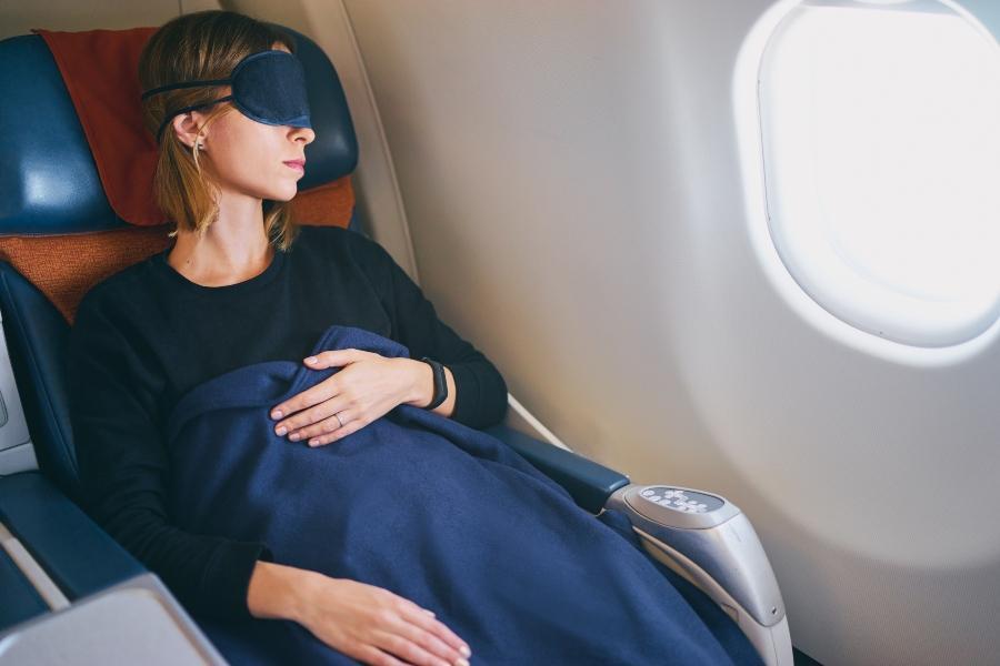 Flugzeug bequem auf kleinem Raum sitzen