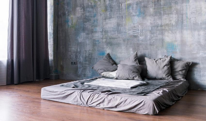 Schimmel auf der Matratze verhindern sollte man insbesondere bei am Boden liegenden Matratzen