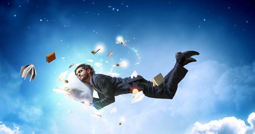 Mann träumt auf Wolke - Traum und Traumdeutung