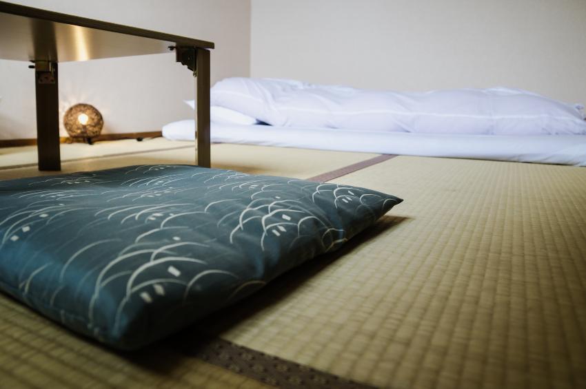 Futon auf Tatami-Matten - Schlafen auf dem Boden ist in Asien nicht ungewöhnlich