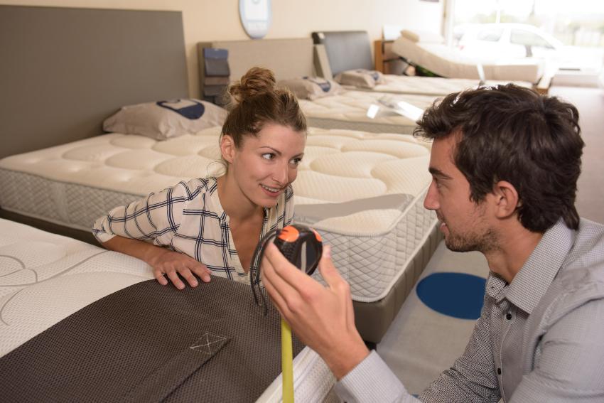 Bett ausmessen - Steghöhe von Matratzen und Toppern