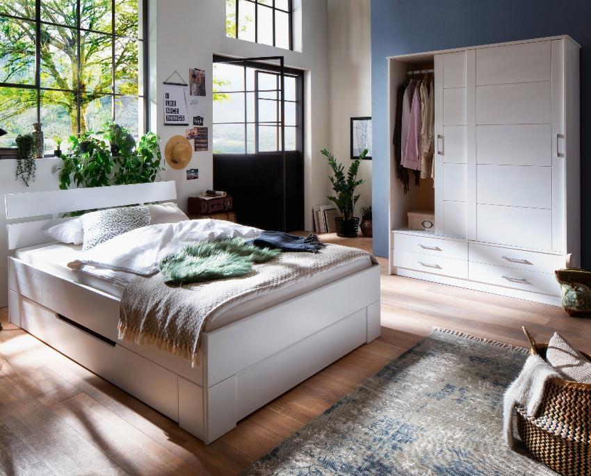 Massivholzbett Skadi aus Fichte mit Kopfteil, Farbton Weiß, lackiert