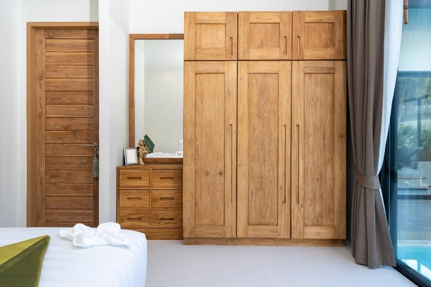 Holzmöbel im Schlafzimmer