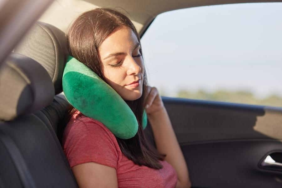 Gut schlafen auf der Reise Reisekopfkissen