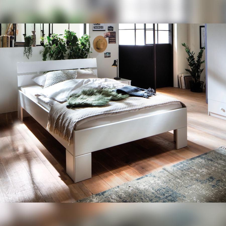 Massivholzbett Skadi aus Fichte mit Kopfteil, Farbton Weiss, lackiert schlafzimmermoebel-skandinavisches-design