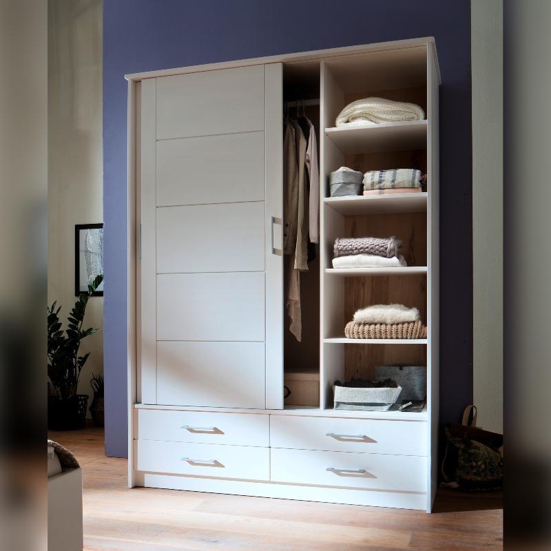 Schiebetuerenschrank Skadi aus massivem Fichtenholz mit zwei Tueren und vier Schubladen, Weiss lackiert schlafzimmermoebel-skandinavisches-design