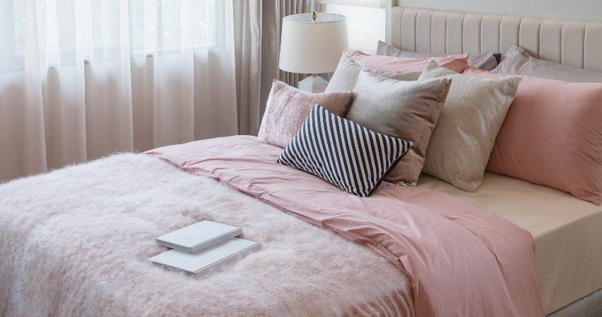 hautfreundliche Bettwäsche in Rosa und Grau