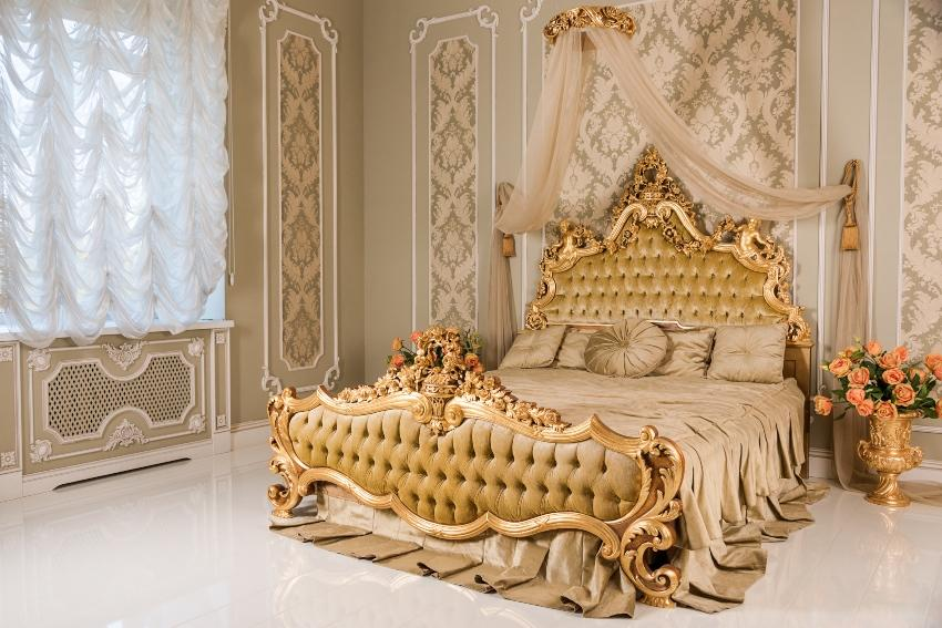 Luxusbett des 18. Jahrhunderts