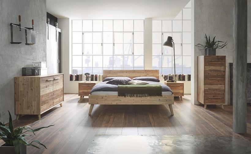 Moderenes Bett im Factory-Style